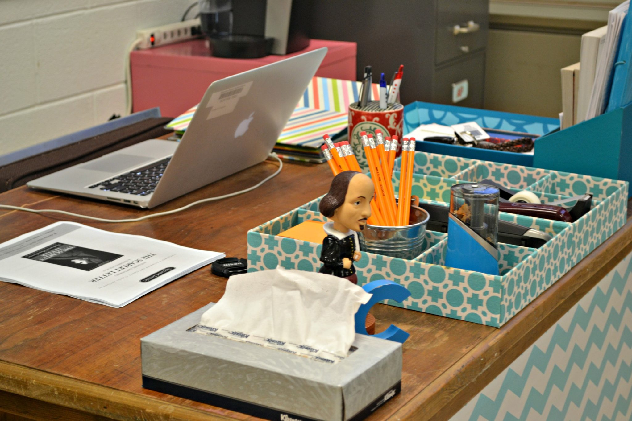 Classroom Workstation Ideas ~ Decoration organization for the high school classroom